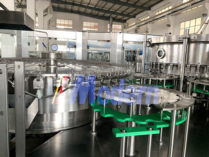 PET Bottle Water Bollting Equipment